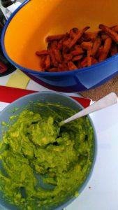 Guacamole und Suesskartoffeln